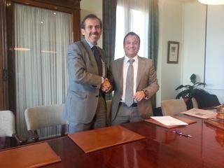 Firma del acuerdo entre ICA Málaga y Ores y Bryan
